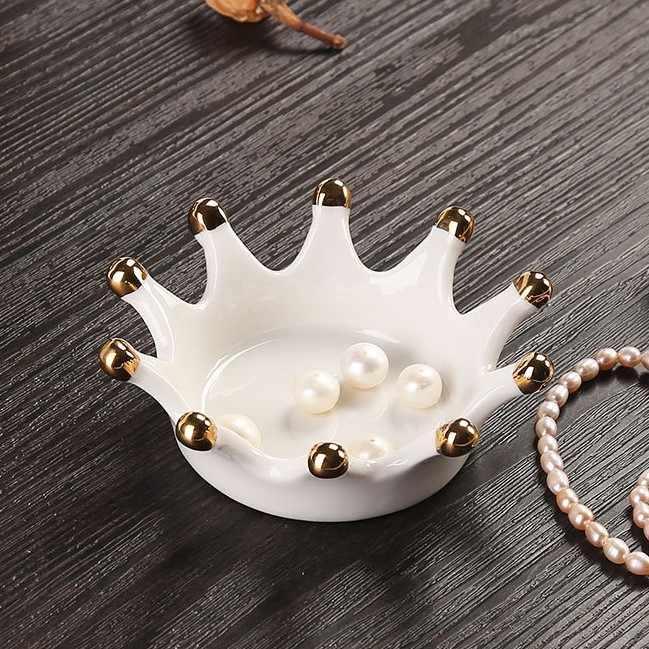 Nordic INS Cahaya Mewah Perhiasan Piring Keramik Mahkota Emas Plate Eropa Perhiasan Penyimpanan Tray Dekorasi Rumah