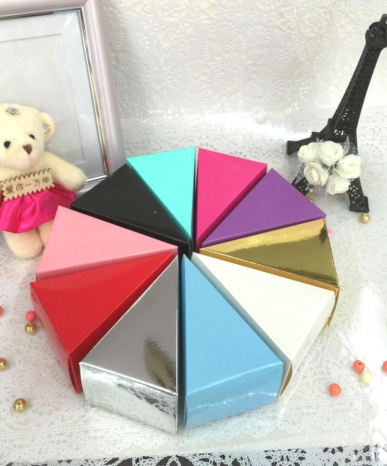 100 шт./лот, треугольная Свадебная коробка для конфет в стиле торта, вечерние коробки для детского дня рождения, треугольные подарочные короб...