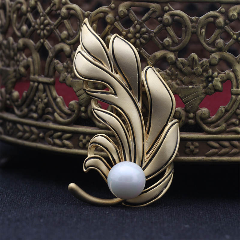 DoreenBeads New Feather Badge with Imitation Pearl Beads Safety Pin Brooch Cardigan Sweater Bag Hat Deco Gold/ Silver Color 1PC