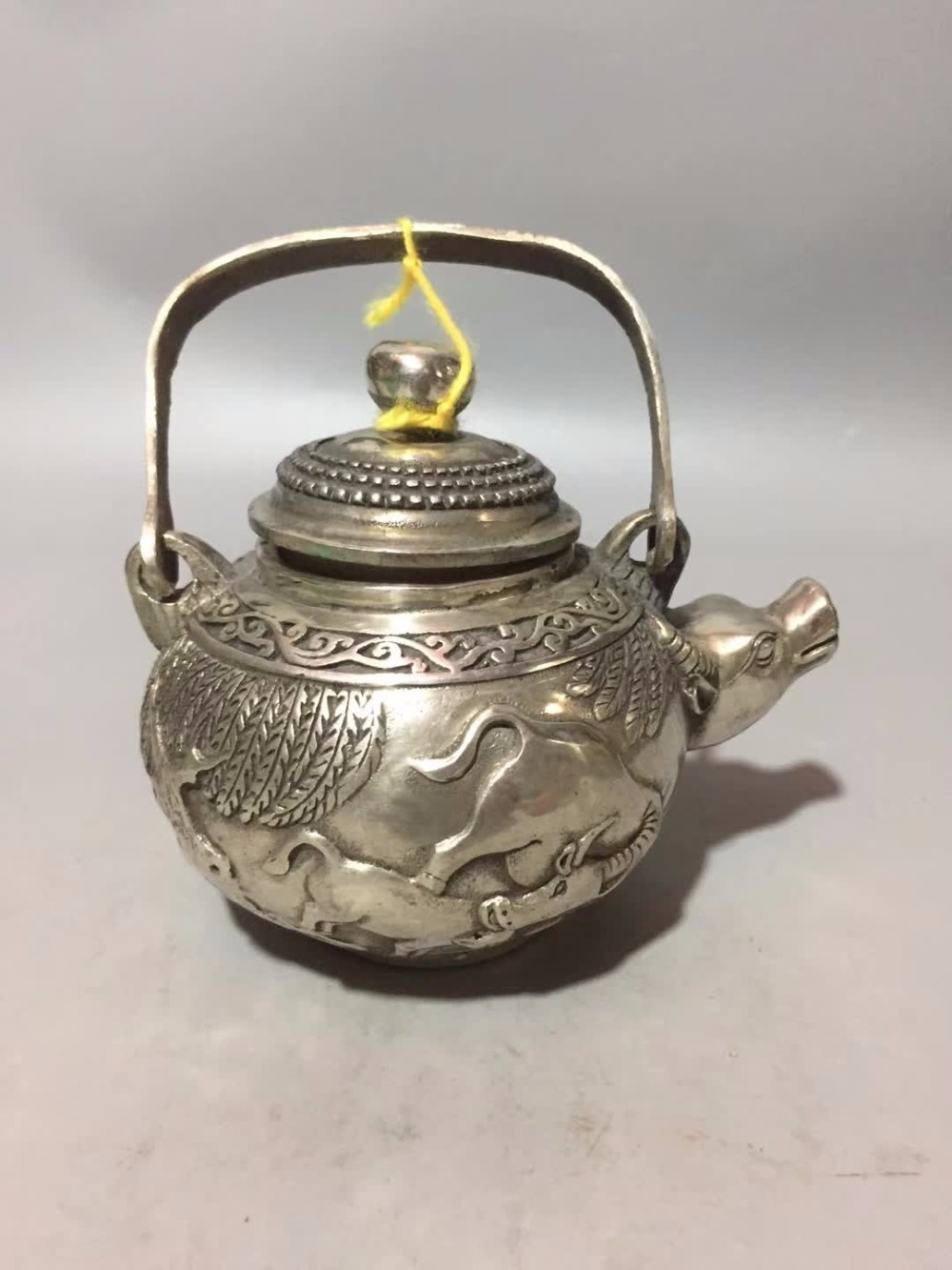 Art Collection Tibet Silver Old Handmade Carving Ox/bull Pot /chinese Antique Tea Pot Home/desk Decoration Teapot Crafts Home Decor