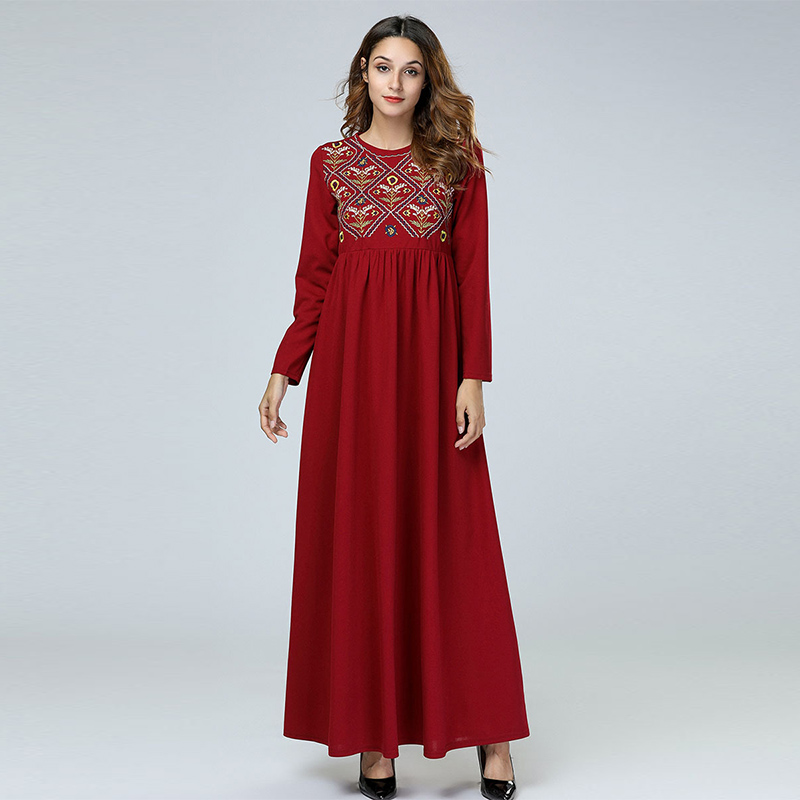 Middle East Afghani Simple Embroidery Plaid Long-sleeved Dress Muslim Round Neck Slim Waist Pleated Ladies Long Skirt