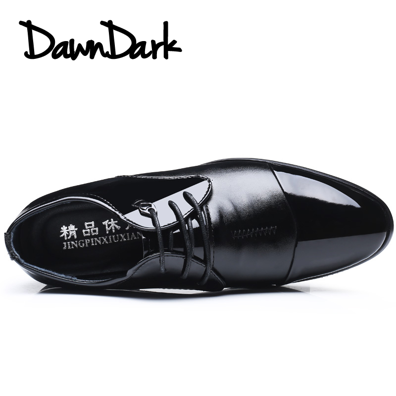 Fashion Men Dress Shoes Pointed Toe Bullock Oxfords Footwear for Man Lace Up Designer Luxury Men Soft Leather Formal Sneakers