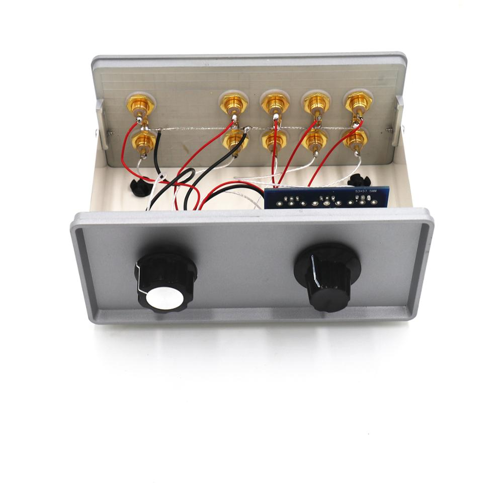 Four-channel audio signal input with volume control 2-channel output 2RCA audio line signal passive audio switcher PreamplifierFour-channel audio signal input with volume control 2-channel output 2RCA audio line signal passive audio switcher Preamplifier