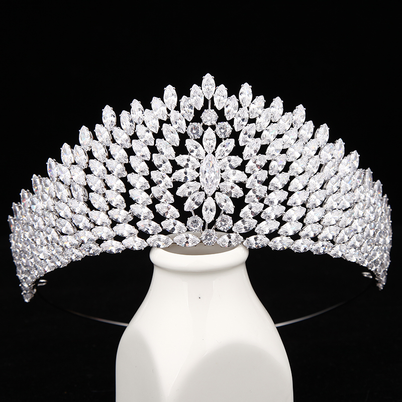 New Fashion luxury Vintage Paved CZ Crown Cubic Zircon Wedding bride banquet dinner Tiaras Hair Jewelry free shippingNew Fashion luxury Vintage Paved CZ Crown Cubic Zircon Wedding bride banquet dinner Tiaras Hair Jewelry free shipping