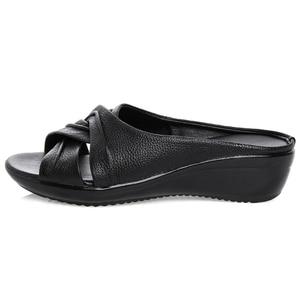 Image 2 - OUKAHUI sandales en cuir véritable à bout ouvert pour femmes, chaussures dété à enfiler à talon Med, à semelles compensées, collection 2020