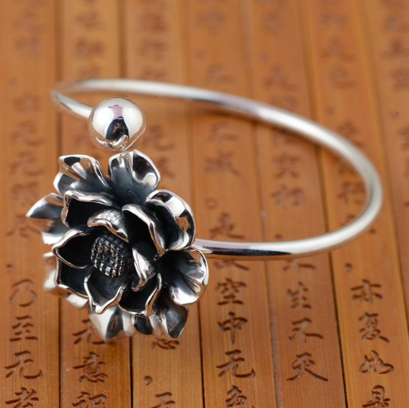 Wang Yinshi silver deer wholesale S990 Sterling Silver Bracelet exquisite flower shape hand decorated new shelves bird leaf decorated bracelet