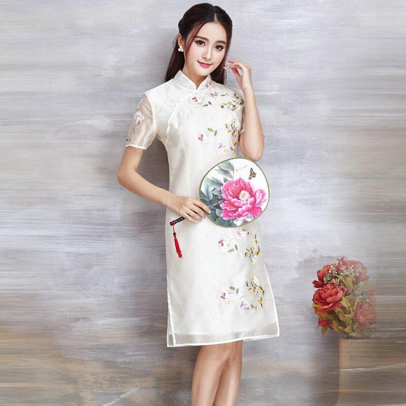 Вышивка по шелку платье