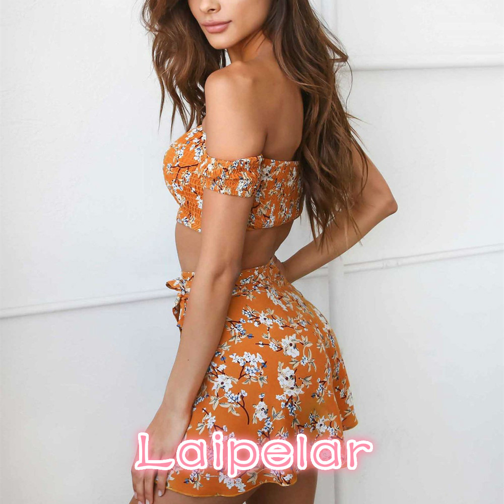 Bohemian floral print beach two piece outfit 2018 summer sexy crop top and mini skirt set boho womens casual suits D34 H 9 in Women 39 s Sets from Women 39 s Clothing