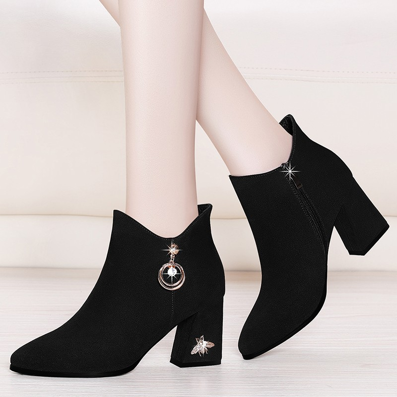 Women Shoes Ankle Boots Genuine Kid Suede Leather Pointed Toe Martin Boots 2018 Winter Short Boots Black Big Size YG-B0043