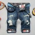 2016 venda limitada buraco mid bermuda jeans curto homme verão Retas Magros do sexo masculino Na Altura Do Joelho Shorts Jeans Para Homens Europa comércio