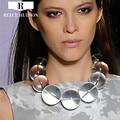 Senhora Nova Moda hipérbole design big rodada transparente bola De Vidro Colar feminino gargantilhas colar para mulheres Party Girl