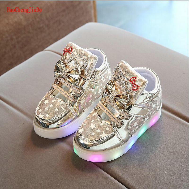 2018 New Arrival Girls LED Light Shoes Kids Shoes Chilren Light Up Glowing Bowtie Sneakers Girls Princess Children Casual Shoes