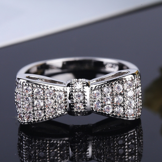 Bow Tie Shaped Zircon Ring