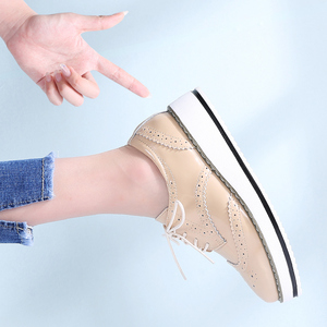 Image 5 - STQ 2020 חורף נשים שטוח נעלי פלטפורמת סניקרס מבטא תחרה עד עקבים שטוחים נעלי נשים עור דירות קריפרס מקרית נעליים 366