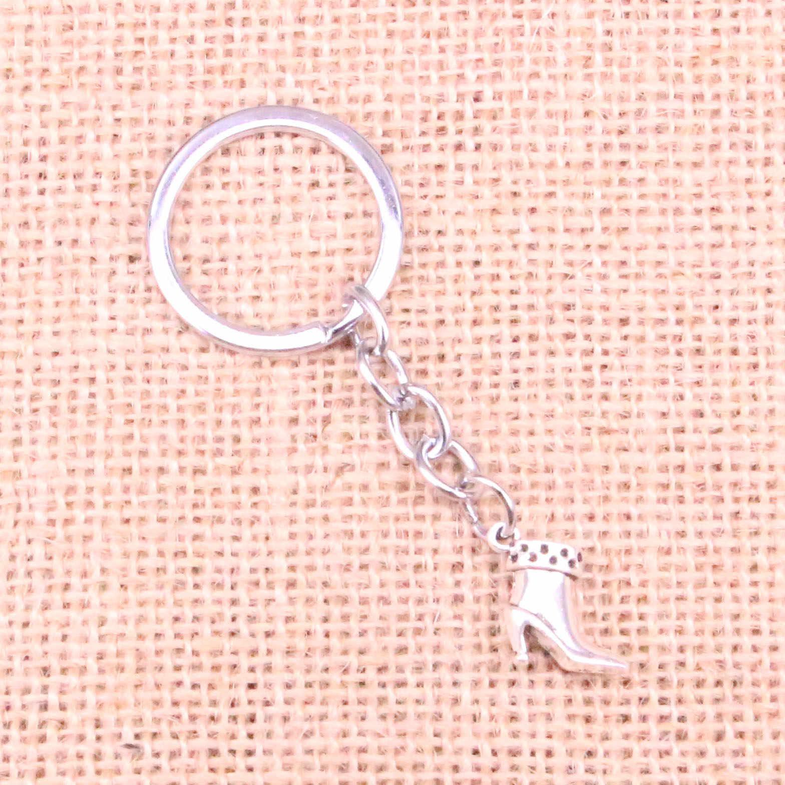 Araba Anahtarı halka kolye Gümüş Renk Metal anahtar zincirleri Aksesuar Toptan, Vintage yüksek topuklu ayakkabılar çizmeler Anahtarlık