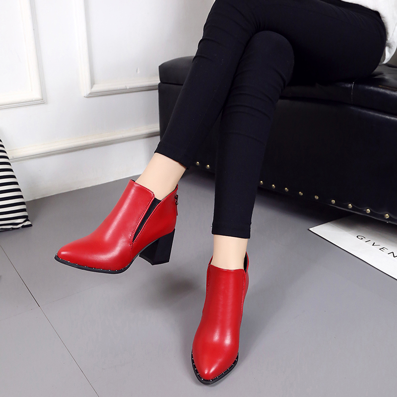 2017Hot in the ultra-lo Autumn Fashion Martin Boots Women Casual Leather Boots Pointed Toe Buckle Warm  Women Ankle BootsORATEE