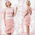 Lindo formal mãe da noiva vestidos com joelho de comprimento rosa Chiffon de manga curta