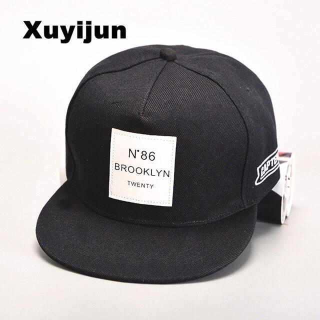 Xuyijun 2017 años de estilo de vida cosméticos snap sombrero fresco mochila  carta gorra de béisbol 1007fef32d7