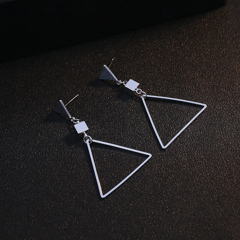 Tassina Triangle Kpop Earrings hanging Minimalist Rose Gold Color Large Earrings Pendant Female Costume Jewelry Earrings 2018