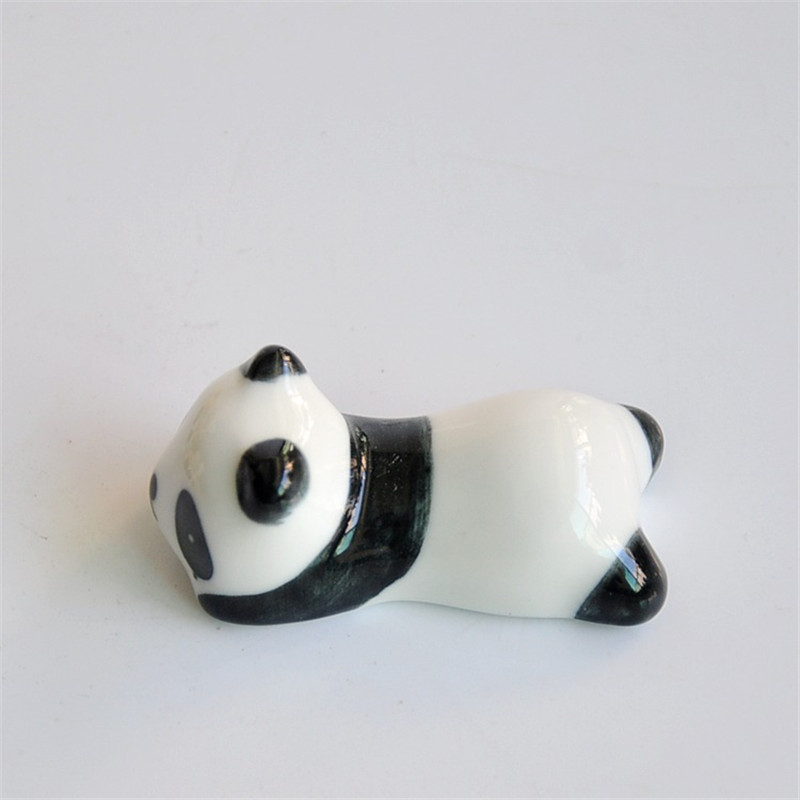 1 pcs Free Shipping KECTTIO New Arrival Ceramic Chopsticks Holders Panda Shape Practical Household Items Tableware Supplies