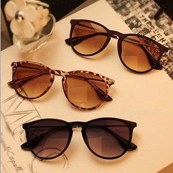 Vintage retro sunglasses women brand designer.Metal thin legs small round frame sun glasses 2015 new fashion oculos de sol Q1