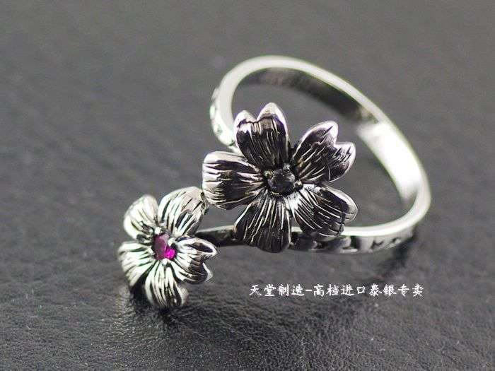 цена на Thailand imports, genuine Oriental Vibrations opening flower girls a silver ring