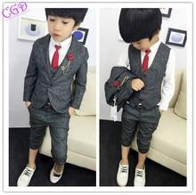 2016 мальчиков одежда джентльмен устанавливает красивые дети куртка + жилет + брюки 3 шт./компл. дети детские дети костюмы одежда горячая распродажа Q46