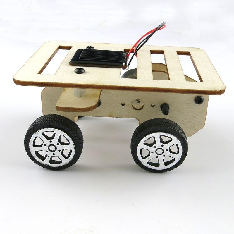 DIY Mini Wooden Car Model Solar Powered Handmade Kit 4WD Smart Robot Car Chassis RC Toy 100*70*50mm Children Learning model