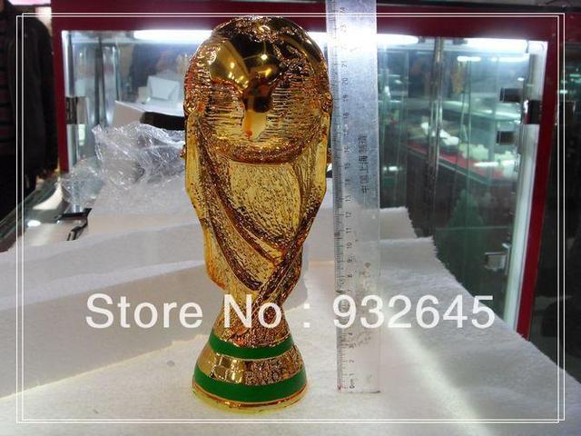 cool resin 25cm tall world cup trophy to real wm pokal. Black Bedroom Furniture Sets. Home Design Ideas