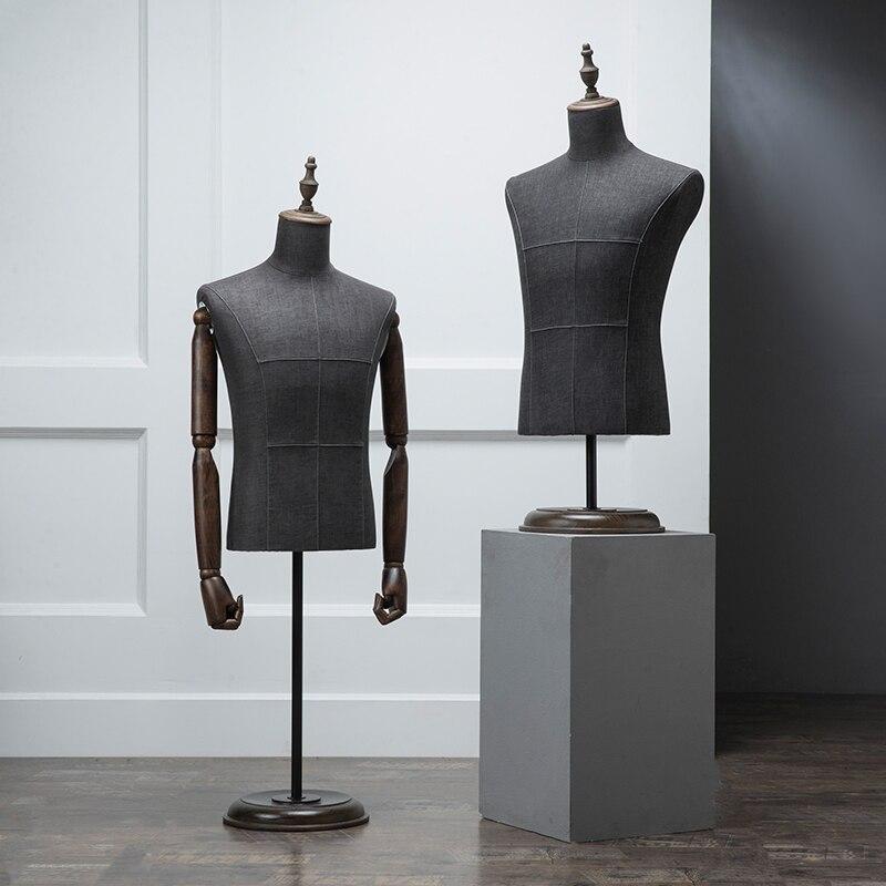 De gama alta negro medio cuerpo paño modelo madera mano hombres ropa maniquí tienda pasarela modelo elevación accesorios traje estante de exhibición