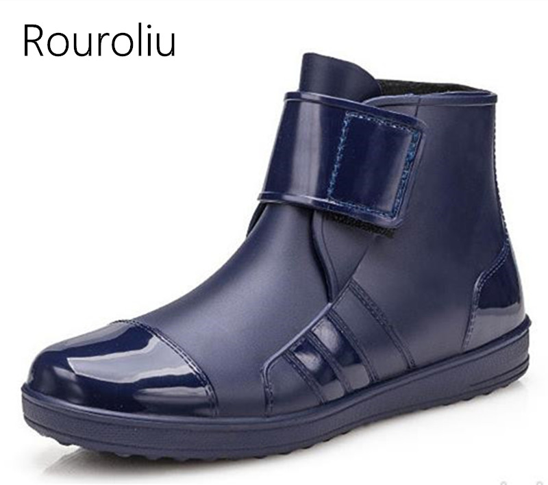 Rouroliu Men Fashion Hook Loop Ankle Rain Boots Flat Heels Waterproof Rainboots British Style