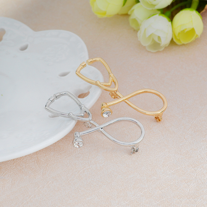 New Cartoon Silver Brooch Doctors Nurses Stethoscope Brooches Brooch Button Brooch pin for Coat Bag Pin Buckle Jewelry for Kid