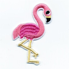 Beautiful Pink Flamingos Patches Iron On Embroidered Patch For Clothing Stick On Badge Paste For Clothes Sew On Bag Pants