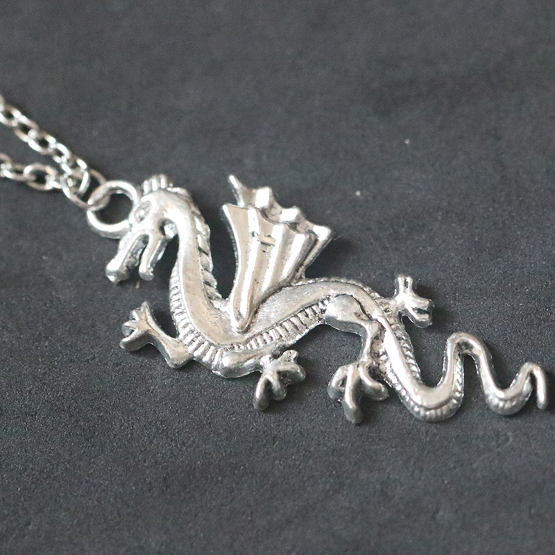 Vintage Antique Silver Dragon Pendant Necklace DIY Handmade Necklaces Fashion For Women Jewelry Holiday gift Choker Collier in Pendant Necklaces from Jewelry Accessories