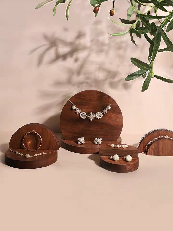 New Fashion Black Walnut Solid Wood Circle Shape Necklace Earrings Ring Display Holder Jewelry Display Stand