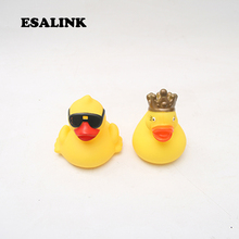 2pcs/lot Duck Dabbling Water Bath Toy Cartoon Children's Bathing Supplies Baby Bath Toys floating rubber yellow ducks