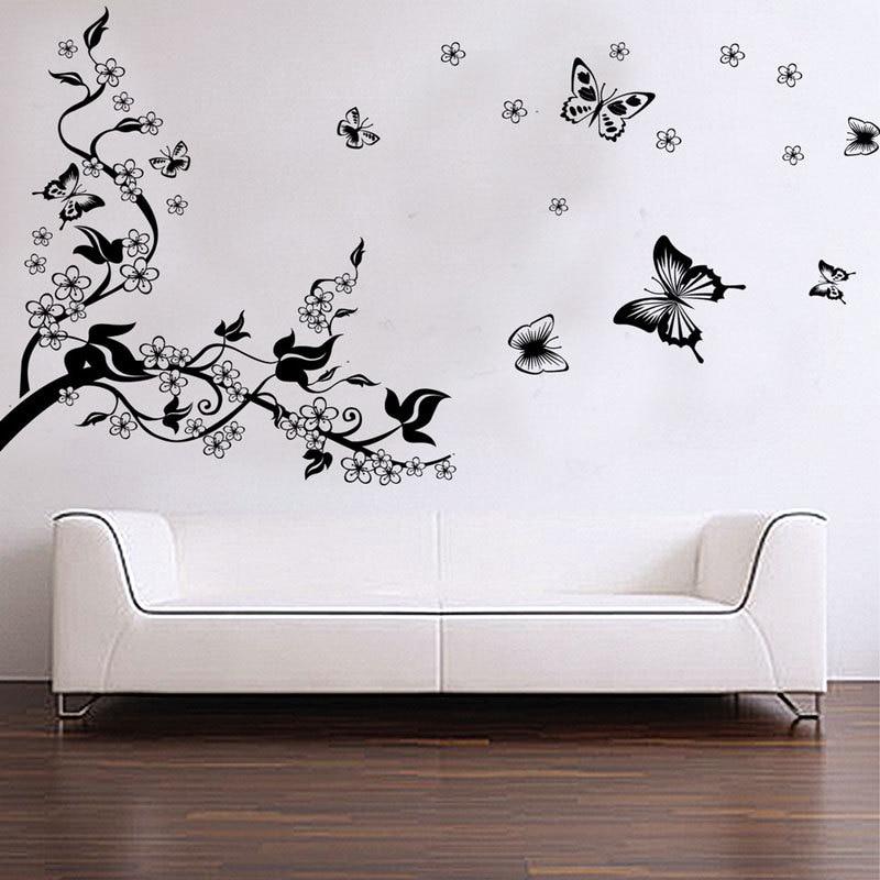 декор стены из черно-белых картинок детализации