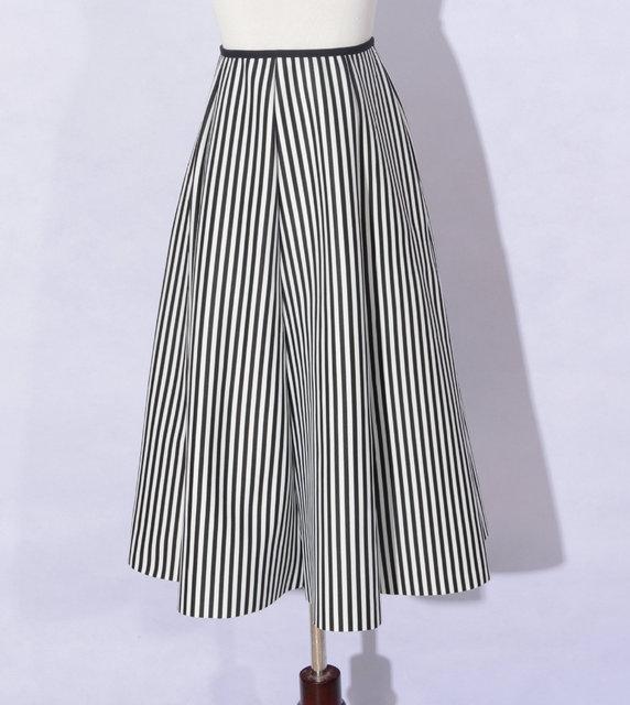 Otoño blanco y negro rayado vertical del tutú faldas otoño larga sección retro de algodón espacio