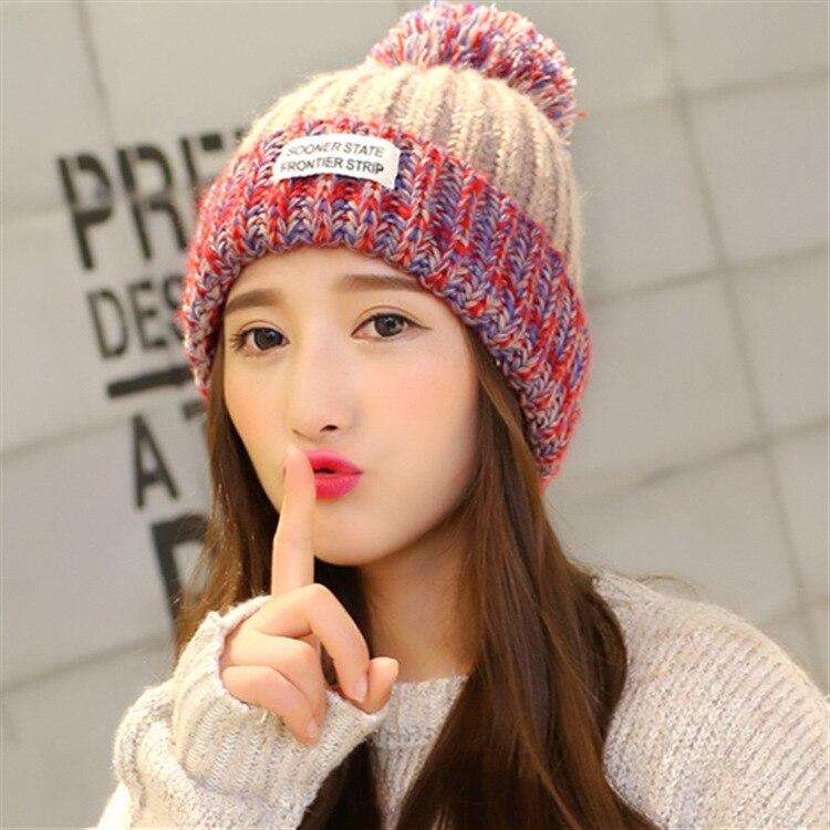1 Stücke Frauen Knitting Hüte Caps 2018 Winter Neue Mode Stricken Farbe Spleißen Bomber Hüte Damen Warm Halten Schöne Ohr Schutz Hüte