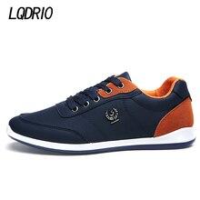Nueva Lace Up Diseñador Mens Casual Pisos Primavera Otoño Marca de Moda de Los Hombres Entrenadores Zapatos Al Aire Libre Calzado Masculino Negro Azul Gris
