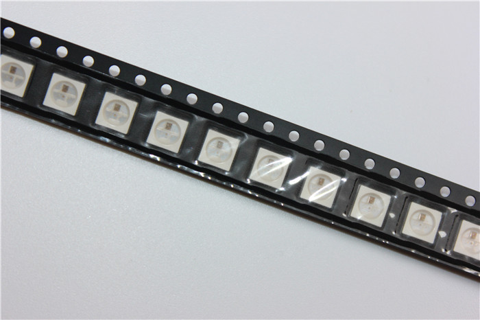 Tiras de Led 100 pcs nova versão ws2812b Modelo do Chip Led : Ws2812b