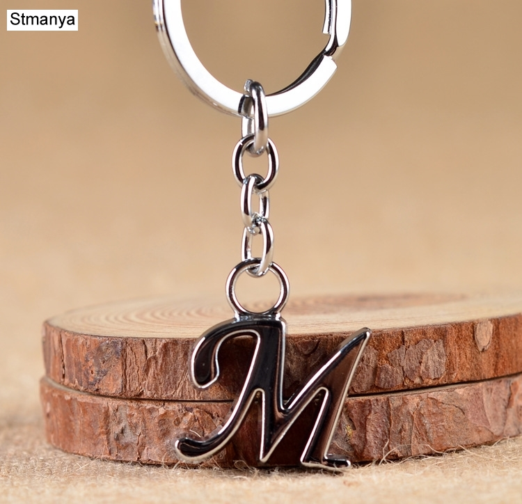 NEW Simple DIY 26 Letter Key Chain Simple Letter Men Women Metal Keychain Party Gift Jewelry Car Key Ring Name Key Holder