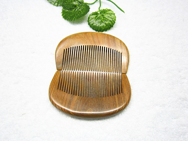 L64 Sandalwood comb green Tan comb mini sandalwood comb green sandalwood combed wooden head neck mammary gland meridian lymphatic massage comb wide teeth comb