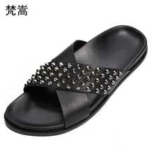 Summer Fashion Slippers Rivet Genuine Leather Flat Bottom Slipper Sandals fender summer men genuine leather slippers