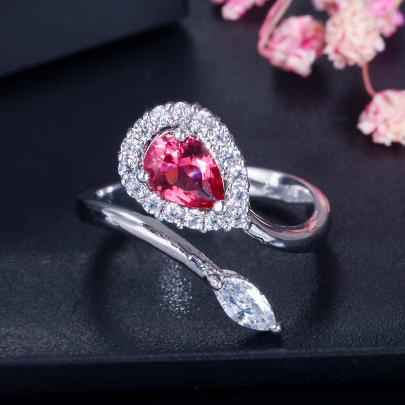 CWWZircons แฟชั่นผู้หญิงแหวนเครื่องประดับ Silver สีคริสตัลสีน้ำเงินเข้มผู้หญิงเปิดแหวนปรับขนาด R090