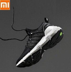 Image 1 - Стильные дышащие амортизирующие спортивные кроссовки Xiaomi FREETIE, удобные нескользящие мужские кроссовки для отдыха