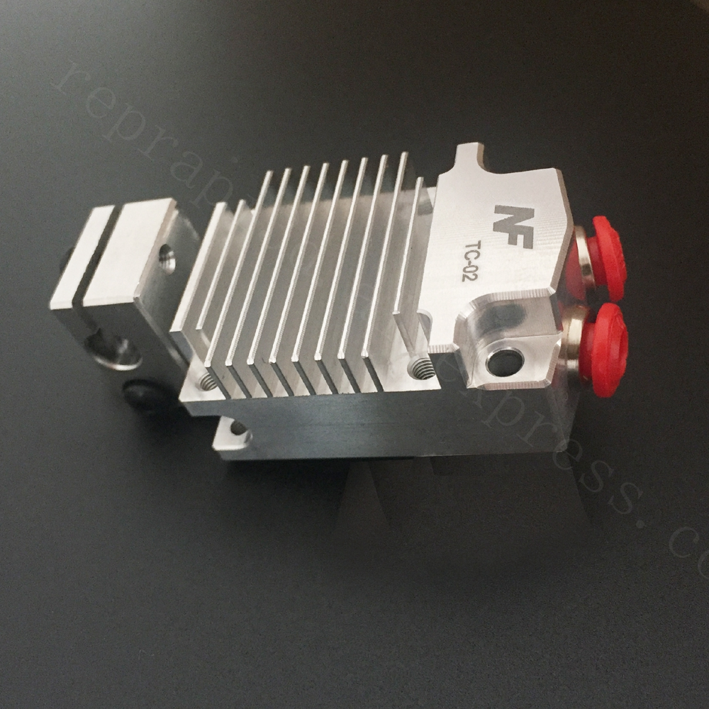 2018 Upgraded 12v/24v Cyclops Multi-color Extruder 2 In 1 Out 2 colors Hotend Bowden with Titan / Bulldog Extruder F/ 3D Printer