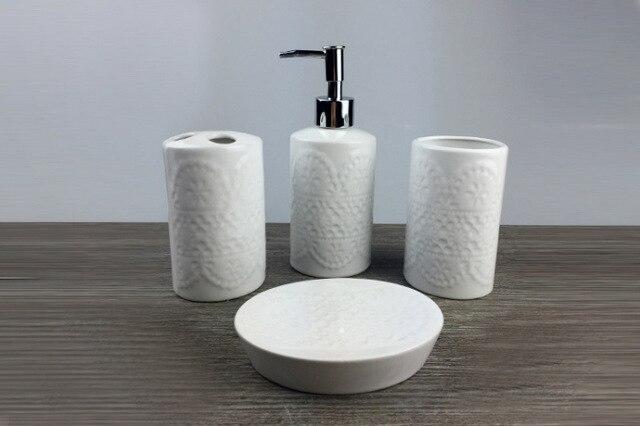 Portasapone Bagno In Ceramica.Us 24 94 29 Di Sconto Stile Europeo Bagno In Ceramica Set Dente Brusher Holder Tazza Portasapone Bottiglia Di Lozione Creativo Sanitari In