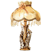 High quality European luxury resin peacock table lamp American retro lace decorative table lamp LED E27 reading light(China)