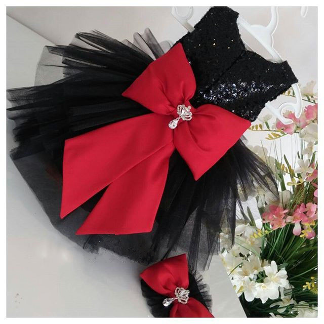 Black knee-length sparkly sequined ball gown with red bow tiered flower girl dresses birthday party gownsBlack knee-length sparkly sequined ball gown with red bow tiered flower girl dresses birthday party gowns